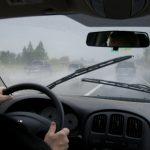 Wajib Catat! Ini Tips Berkendara Saat Hujan Agar Aman